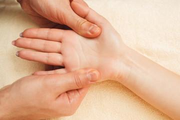 refleksologia dłoni warszawa